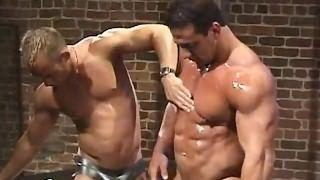 Порно ролики мускулистые парни