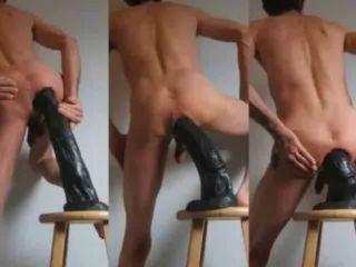 porno-foto-muzhikov-imeyut-ogromnimi-dildo-foto-galerei-ebli-devok-v-chulkah