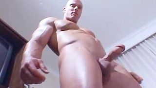 Muscle worhippers delights