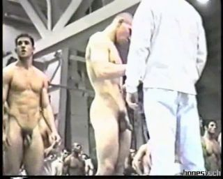 Athletic Nude Weigh