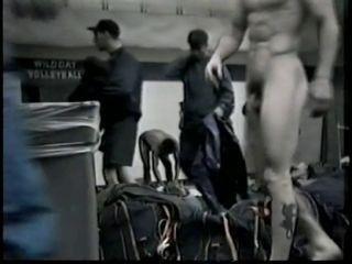 Скрытая мини камера в мужской раздевалке — img 2