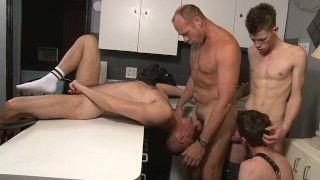 Gay masseurs porn pics