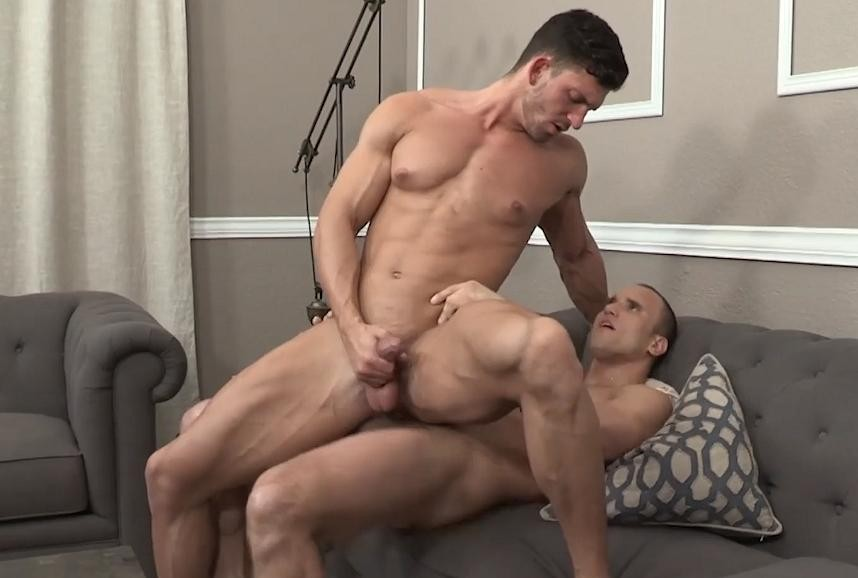 Hot Studs Fuck In The Great Outdoors